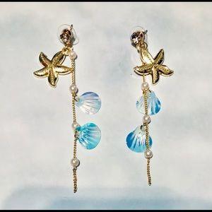 Shiny Shell Dangle Earrings / (OS) NEW!! 🐚